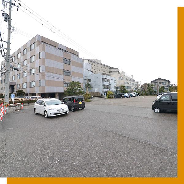 柴田病院駐車場